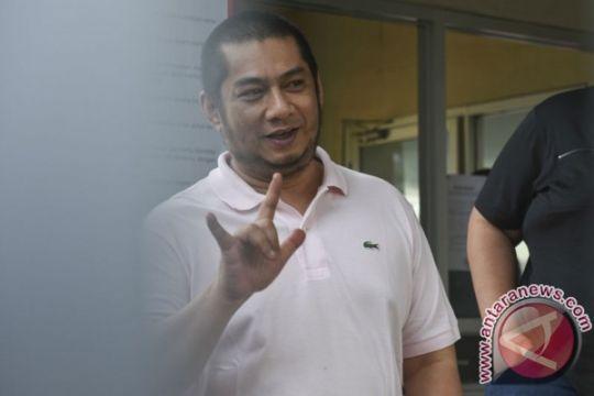 Rita Widyasari dibawakan opor oleh suami ke Rutan KPK