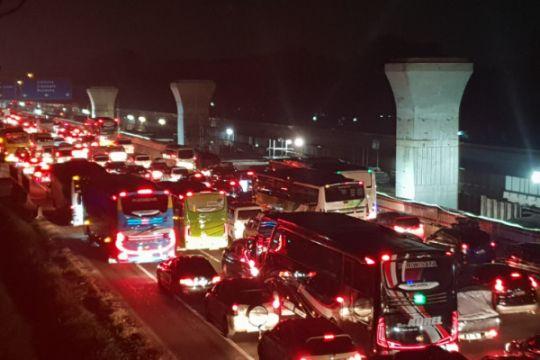 Jasa Marga berlakukan contraflow sekitar KM 39 Tol Jakarta-Cikampek