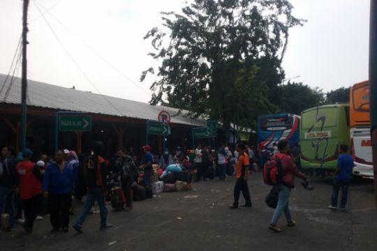 7.507 penumpang tiba di Terminal Kalideres di hari terakhir liburan Lebaran