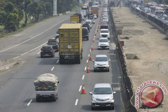 """Jasa Marga perpanjang jalur """"contraflow"""" di Tol Cikampek"""