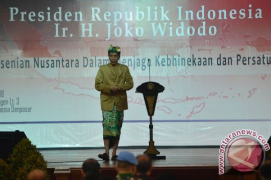 Presiden lepas peserta pawai Pesta Kesenian Bali