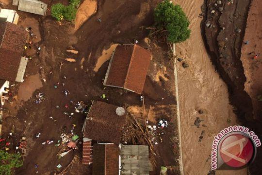Penyebab banjir Banyuwangi bukan pembalakan liar