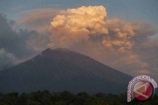 BNPB: belum ada kenaikan status Gunung Agung