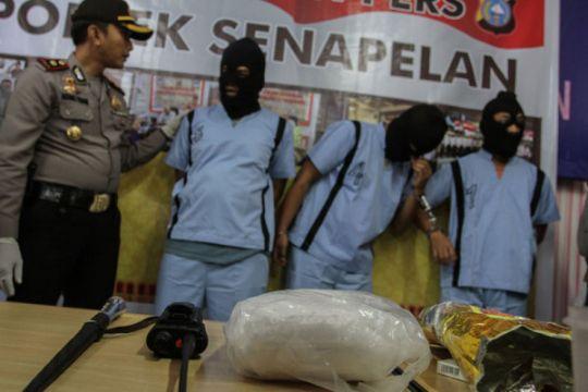 Polisi grebek rumah pengedar narkoba di Medan