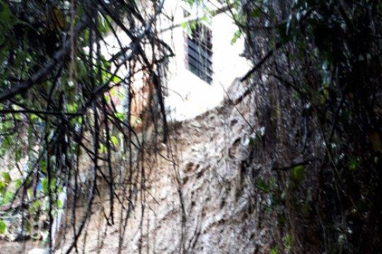 Dinas PUPR Ambon tangani empat kondisi darurat longsor