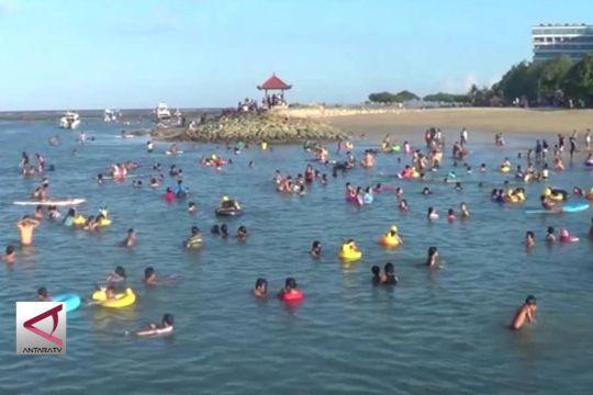 Libur Lebaran, Pantai Sanur dipenuhi wisatawan