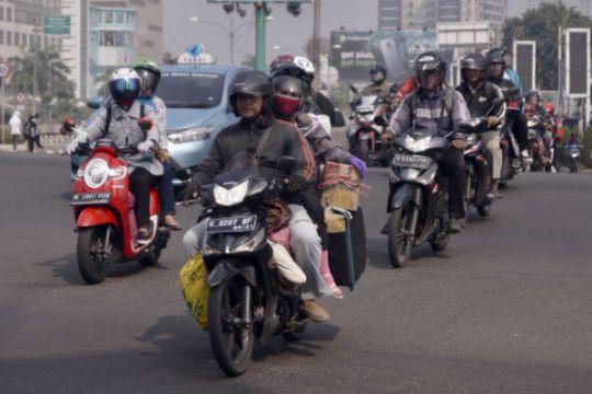 Bekasi-Cikampek jalur favorit pemudik bersepeda motor