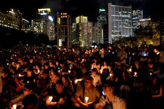 Hong Kong peringati tragedi Tiananmen dengan lilin di seluruh kota