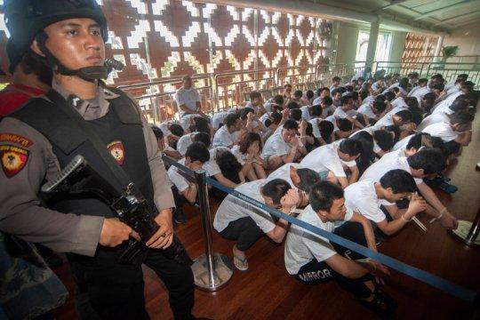 Imigrasi Palu mendeportasi warga Singapura
