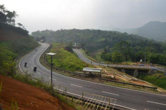 Gubernur Jabar targetkan seluruh daerah terhubung jalan tol