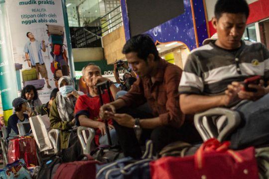 DAOP Surabaya beri sahur gratis penumpang kereta