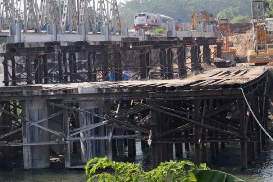 Pembangunan jembatan double track