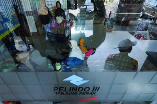 Ratusan penumpang tujuan Masalembu tertahan di Surabaya akibat cuaca buruk