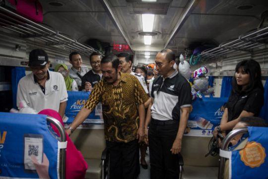 Wali Kota Solo lepas peserta mudik bareng BUMN balik  ke Jakarta