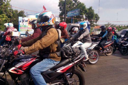 Jalur Pantura Tegal didominasi pemudik bersepeda motor