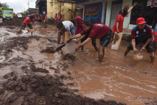 Kemensos salurkan Rp1,15 miliar penanganan banjir bandang Banyuwangi