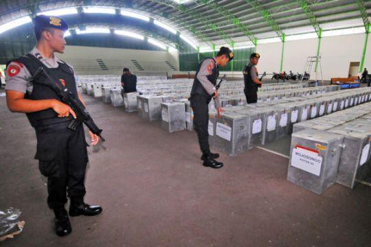 Distribusi Kotak Suara Pilkada Jateng