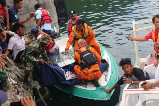Tim gabungan Basarnas temukan lagi dua penumpang meninggal di Danau Toba