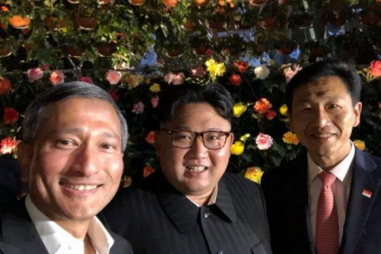 Kim Jong Un jalan malam untuk selfie dan susuri Singapura