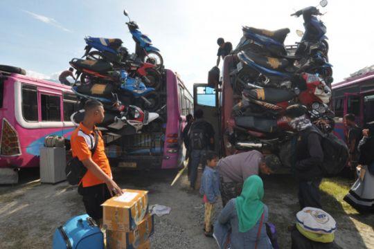 "Jalur mudik Trans Sulawesi ""Kebun Kopi"" padat merayap"