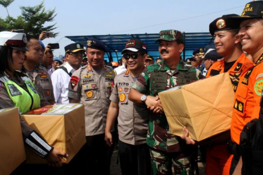 Panglima TNI dan Kapolri disambut tarian khas Kaili di Palu