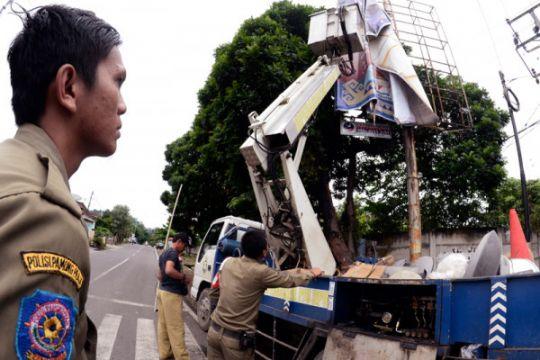Bawaslu DKI tertibkan 1.039 alat peraga kampanye