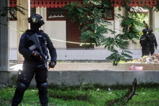 Densus 88 tangkap lima terduga teroris di Pekanbaru
