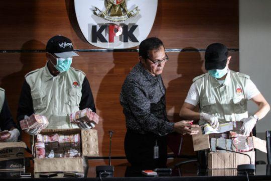 Empat tersangka suap proyek di Tulungagung-Blitar ditahan