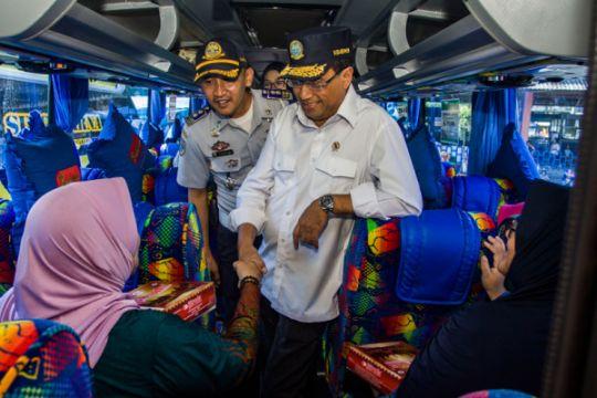 Menhub soroti kesehatan sopir bus angkutan Lebaran