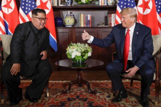 Trump mengaku saling bertukar nomor telepon dengan Kim Jong Un