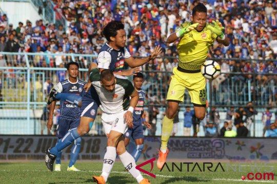 "Laga ""big match"" Arema vs Persebaya ditunda"