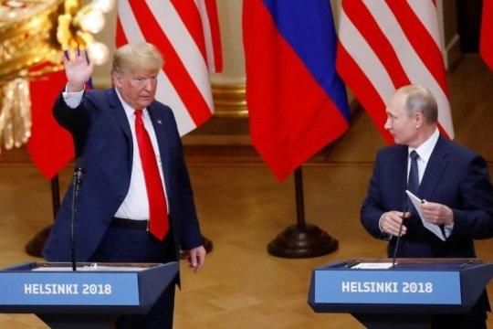 Trump batalkan pertemuan dengan Putin karena krisis Ukraina