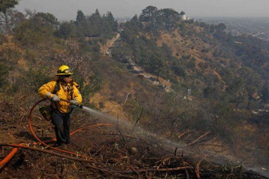Kebakaran California meluas, polisi cari 17 orang hilang