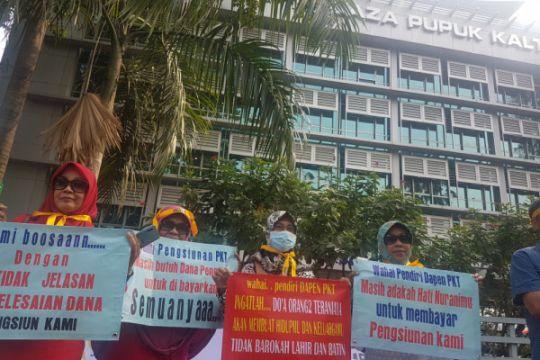 Pensiunan karyawan Pupuk Kaltim demo tuntut uang pensiun
