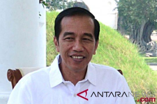 Presiden Jokowi sempatkan jalan-jalan di mal Panakukang Makassar