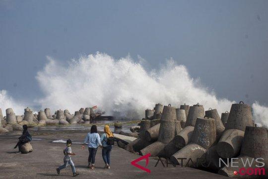 Pemkab Kulon Progo diminta tata Pantai Glagah