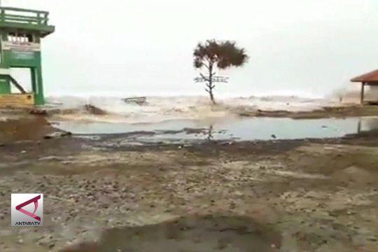 BMKG : Waspada puncak gelombang tinggi air laut 29 Juli