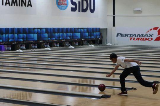 Presiden coba arena bowling dan menembak di Jakabaring