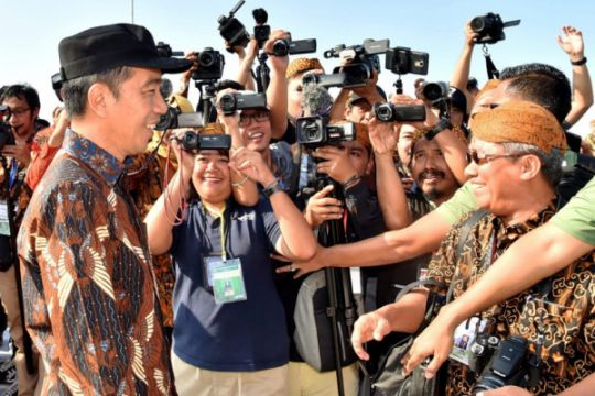 Jokowi: perlu usaha bersama masyarakat dan aparat atasi terorisme