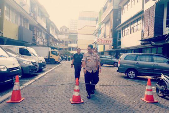 Kabid Humas Polda Metro cek lokasi ledakan di Kebayoran