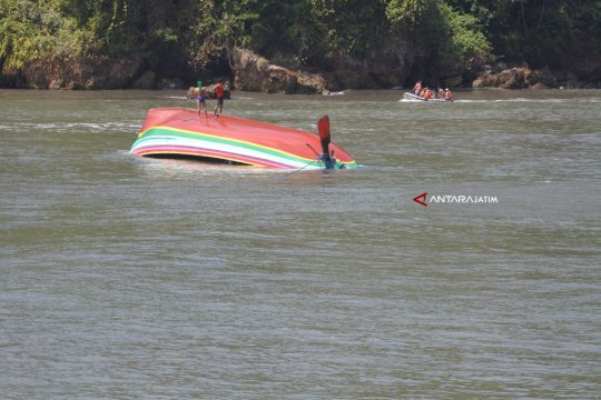 Terapung dua hari, nelayan lansia ditemukan selamat