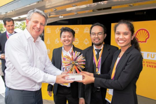Indonesia juara kompetisi adu gagasan Shell Ideas360 di London