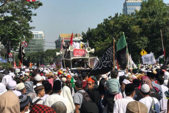 Peserta aksi 67 padati Istiqlal