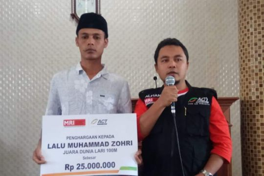 ACT serahkan bantuan modal usaha untuk Zohri