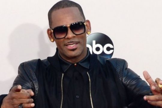 """I Believe I Can Fly"" R Kelly kembali masuki tangga lagu Billboard"