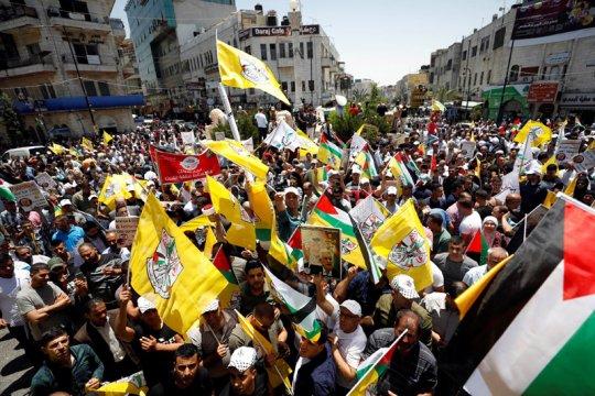 Setelah delapan tahun, surat-paket Palestina tiba di Tepi Barat