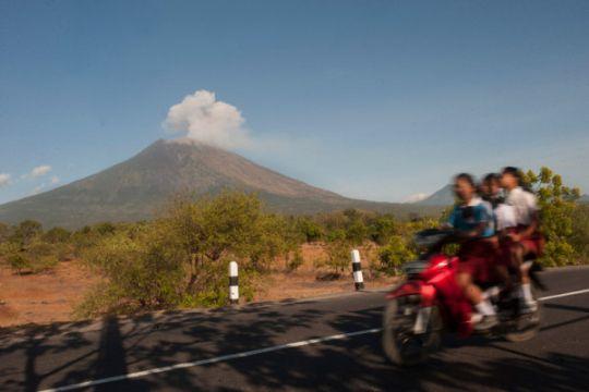 Aktivitas Gunung Agung relatif menurun
