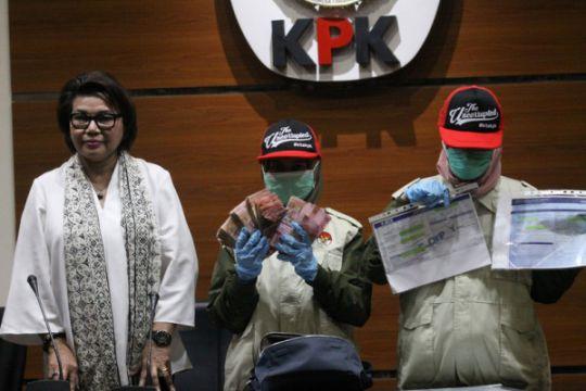 KPK geledah kantor Dinas PUPR dan Dispora Aceh
