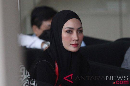 Steffy klaim belum menikah dengan Gubernur Aceh