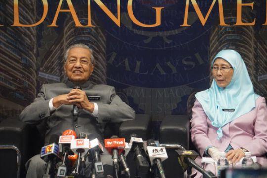 Mahathir: Malaysia tidak dapat menerima perkawinan sejenis